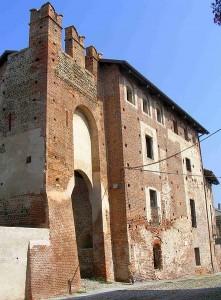 442px-Castello_buronzo
