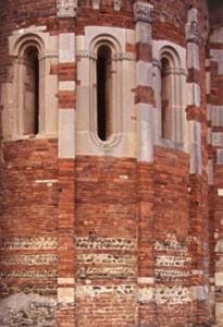 Castellazzo Bormida (AL) - Chiesa della Trinità da Lungi (Vista abside)