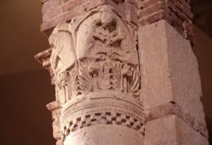 Castellazzo Bormida (AL) - Chiesa della Trinità da Lungi (particolare capitello)