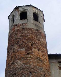 Castello_verrone_torretta_swWIKI