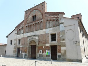 Cherasco-chiesa_san_pietroWIKI