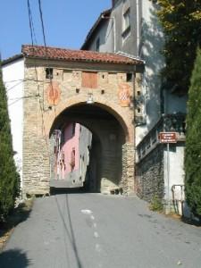 Cremolino (AL) - Ingresso medievale