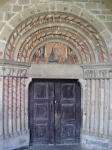 Elva-Santa_Maria_Assunta_portale-WIKI