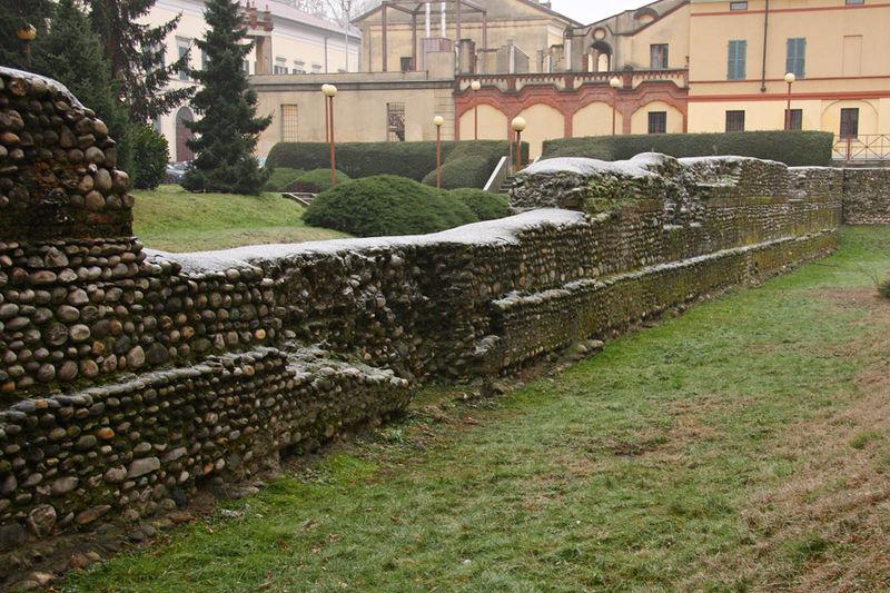 Novara_MuraRomane