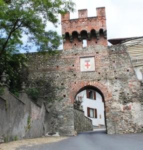 monumenti_porta_via_roma