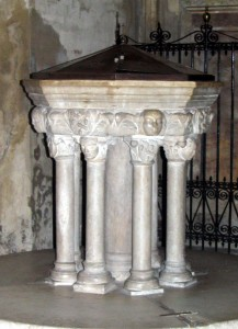 4Fonte_Battesimale,_Duomo_Asti