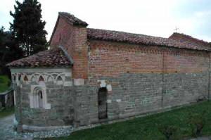 Albugnano_chiesa_rom_7821