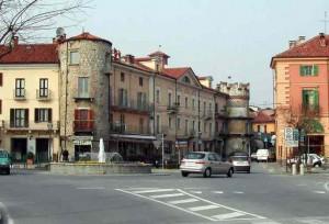 Giaveno-Piazza torre orologi