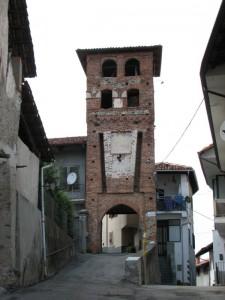 Perosa_can-torre_porta