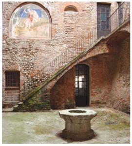 castello Rivalta- cortile